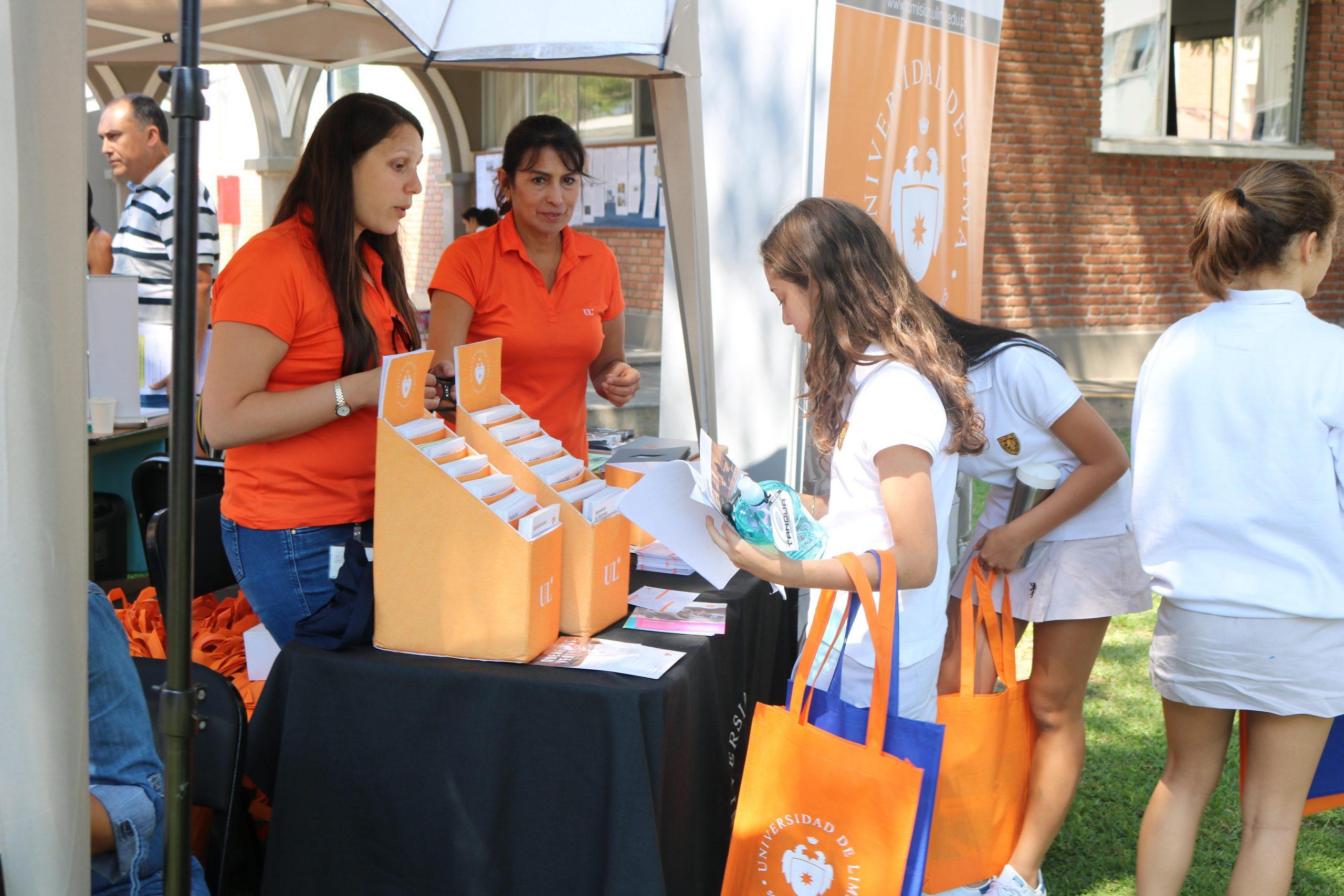 Feria de universidades locales e internacionales
